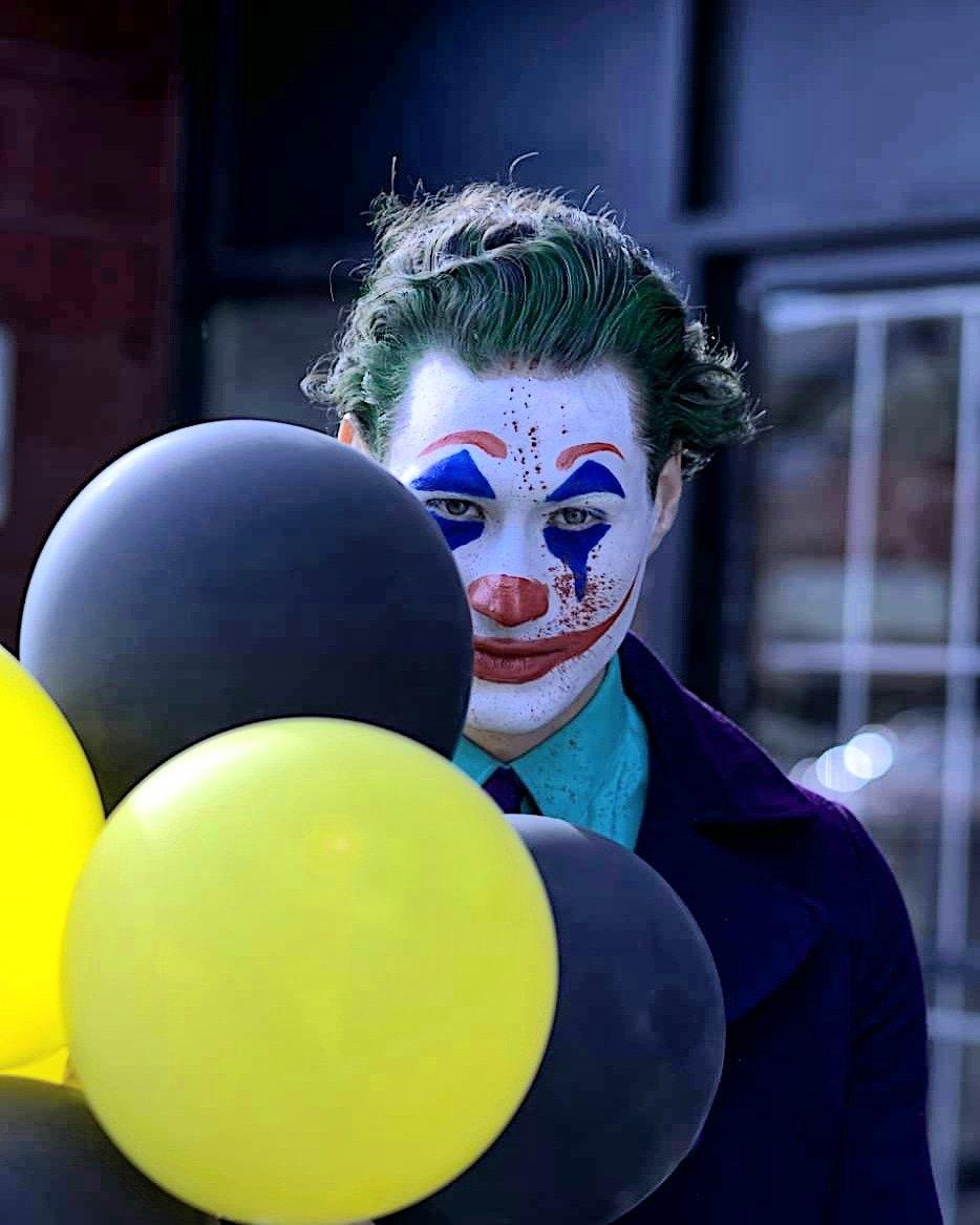 Super fun shoot. This amazing model nailed the mood of the Joker. #TheJoker #yycphotographer #yycmodel #creativephoto #tfpshoot #yyclocationspic.twitter.com/ZnwKtjGjih