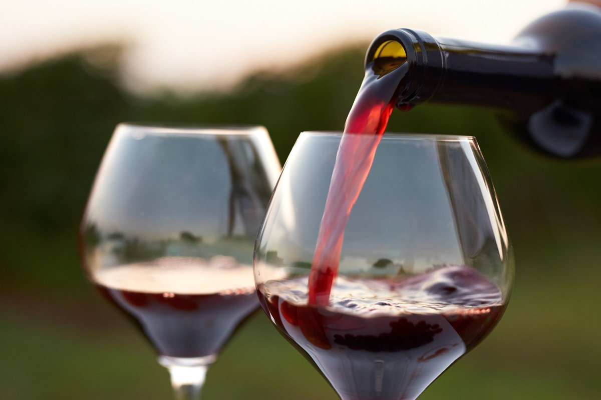 It's #WineWednesday ! Grab a glass of vino, your girlfriends, and register for the all-women @ZOOMArun Texas Wine Country this weekend!!  If you're a wine lover, you won't want to miss it!  #zoomabr #zoomarun #bibchat #wine #traveltuesday<br>http://pic.twitter.com/lcwThBmyui