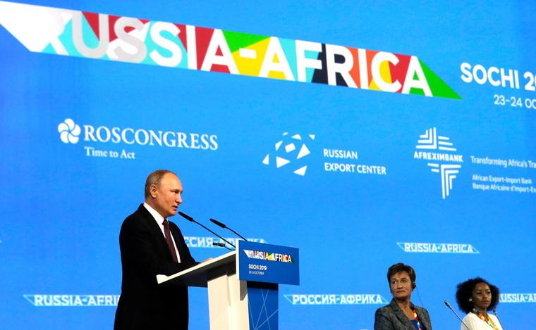 Rusya-Afrika Zirvesi: Rusya'nın değişen jeopolitik tavrının Afrika'ya yansımasıZirvenin ana hatları neler?Rusya, Afrika'da neyin peşinde?Afrika-Rusya ilişkilerinin geleceği?#Africa #Russia #sochi https://jeopolitico.blogspot.com/2019/10/rusyann-degisen-jeopolitik-tavrnn.html…