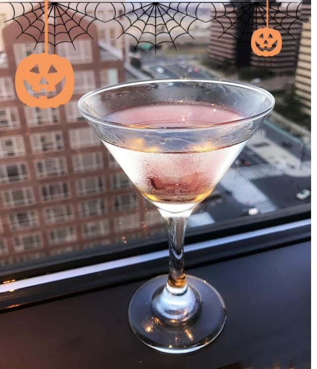 Doing last minute prep for your #halloween2019 party? I have some spooky #cocktail ideas for you thanks to the @RitzCarlton #PentagonCity!🍸 ▶️bit.ly/RC-Cocktail 🌟🌟🌟🌟🌟Do you have a festive cocktail to share? #WineWednesday #Travel #Halloween