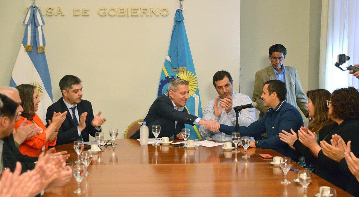 La adecuación del nuevo muelle pesquero de Puerto Rawson es una obra muy esperada por el sector, y es una inversión que proyecta crecimiento y desarrollo para #Chubut y el país. https://t.co/XgjRXk2EO0