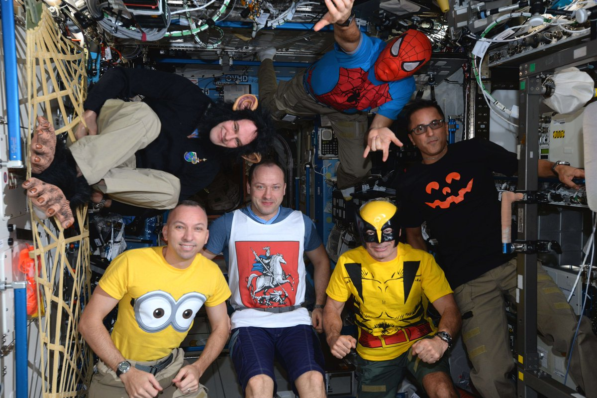 #OTD @NASA @Space_Station Exp 53 crew were treated to a #Halloween without the trick of gravity. I wonder what crews should take with them to celebrate #Halloween during #Artemis msns to the #Moon & #Mars? #ForwardtotheMoon