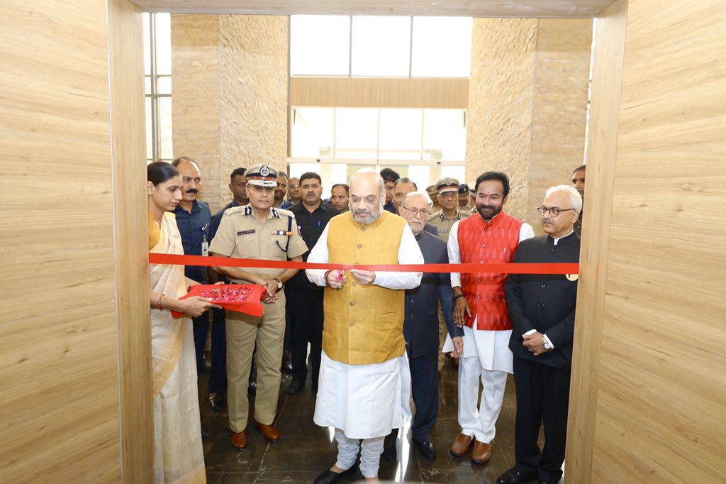 Inaugurated the new building of Delhi Police Headquarters at Jai Singh Road, New Delhi.