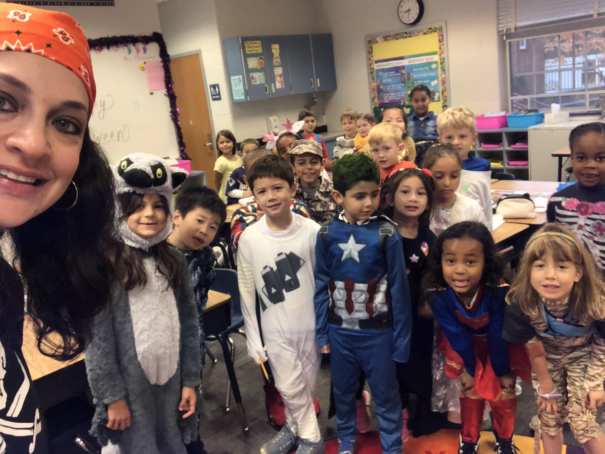 RT <a target='_blank' href='http://twitter.com/Edugator19'>@Edugator19</a>: Happy Halloween!!! 🎃 👻 from Mrs. Mehrnama's 1st grade class! <a target='_blank' href='http://twitter.com/ats_math'>@ats_math</a> <a target='_blank' href='http://twitter.com/APS_ATS'>@APS_ATS</a> <a target='_blank' href='https://t.co/RyPQrUe9tD'>https://t.co/RyPQrUe9tD</a>