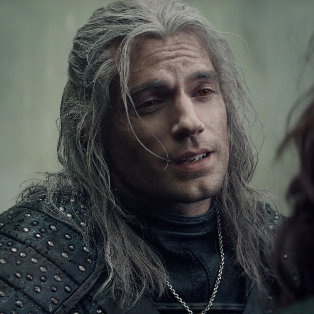 A Closer Look At Henry Cavill S Geralt Of Rivia In The Witcher