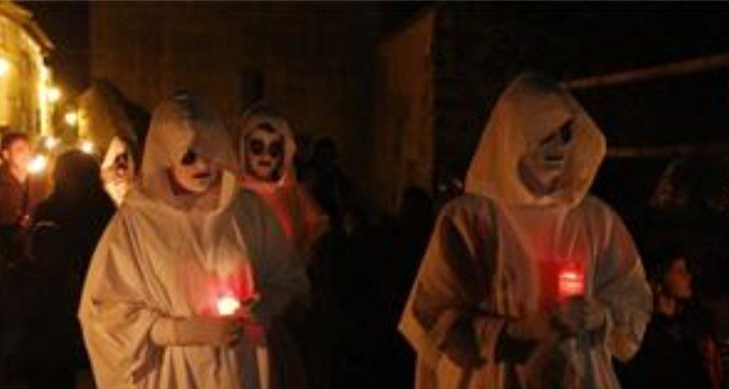 Aragón Memes On Twitter Hoy Es 31 De Octubre Está Noche Es La Nuei D Almetas Una Fiesta Que Tiene Sus Semejanzas Y Diferencias Con Halloween Salvo Que Es Una Tradición Aragonesa Milenaria