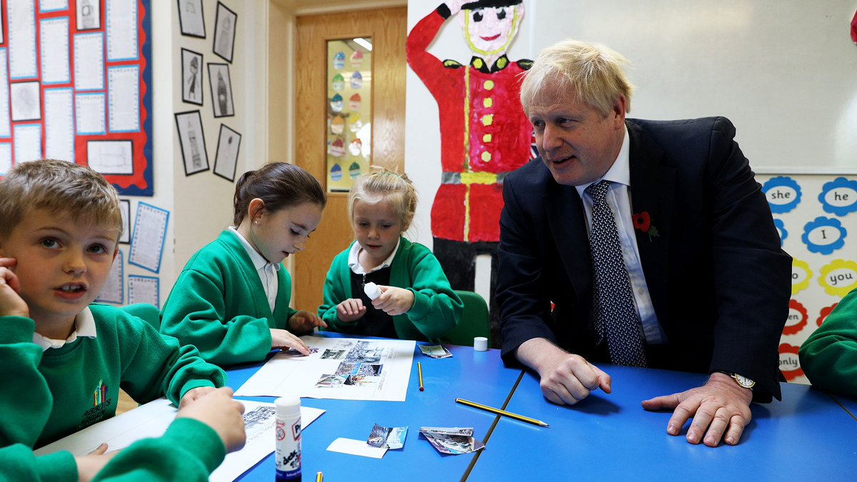 We are levelling up schools across the country with a further £14 billion education funding. Today Prime Minister @BorisJohnson met staff and pupils from Reception to Year 3 @abbotsgreen Primary Academy in Bury St Edmunds.