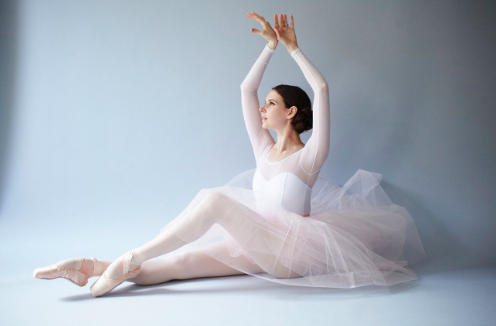Happy #Halloween Ballet Beauties!! Channel your inner #BlackSwan today with our Classic Swan Arms workout  Wishing everyone a fun & safe Halloween! XOXO https://www.balletbeautiful.com/swan-arms-the-classic… #BalletBeautiful #BalletBeautifulFit #ballet #barre #ballerina #fitness #halloween2019pic.twitter.com/3YVRwkBPx9
