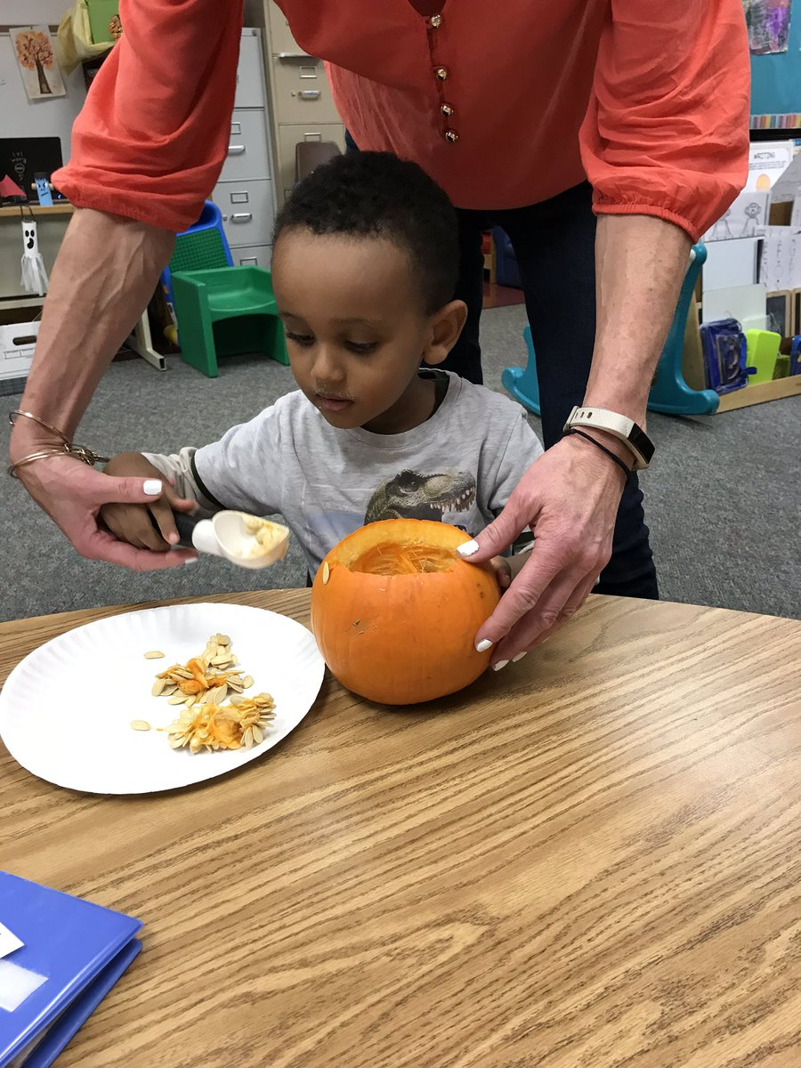 We enjoyed carving our pumpkin today! We will roast and eat the seeds tomorrow! <a target='_blank' href='http://search.twitter.com/search?q=kwbpride'><a target='_blank' href='https://twitter.com/hashtag/kwbpride?src=hash'>#kwbpride</a></a> <a target='_blank' href='http://twitter.com/BarrettAPS'>@BarrettAPS</a> <a target='_blank' href='https://t.co/uSB4Rqy9HL'>https://t.co/uSB4Rqy9HL</a>