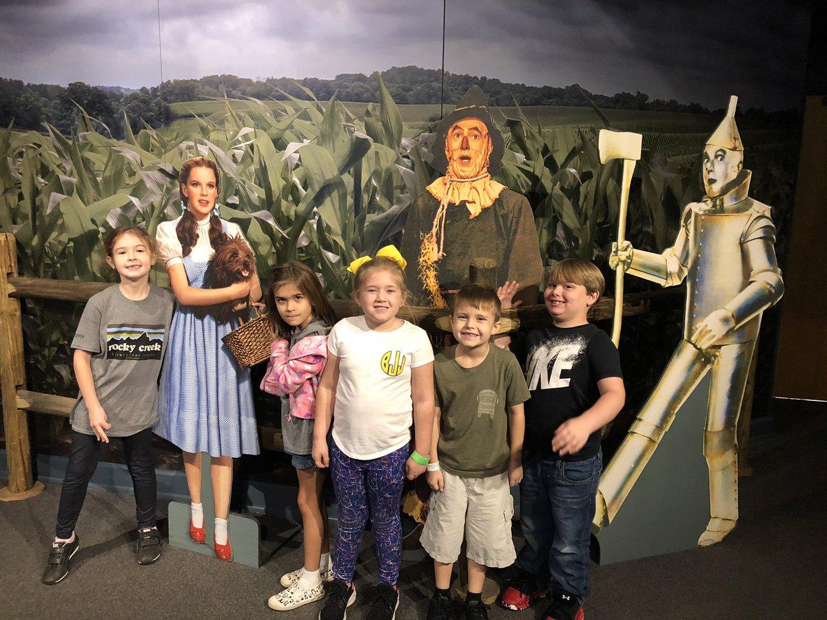 First grade field trip to @SCStateMuseum! We had so much fun 💚#OneRCE #Firstgradefun https://t.co/uy0US1btiZ