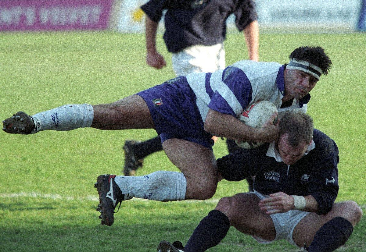 🎂 Tanti auguri a Carlo #Orlandi, Azzurro numero 644, 42 caps #Italrugby 💙 #insieme #rugbypassioneitaliana