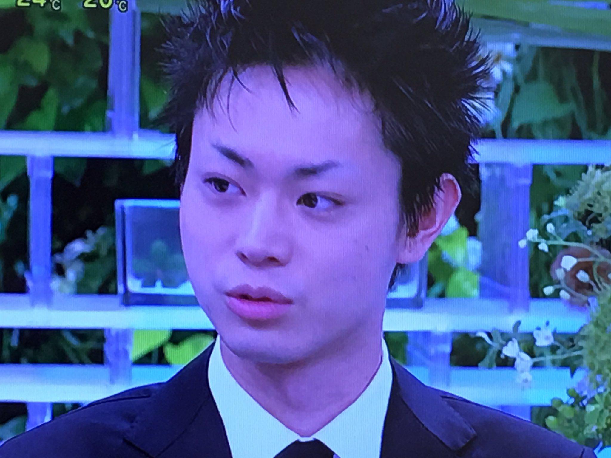 画像  菅田将暉の眉がおかしなことになってた。舞台のためだ