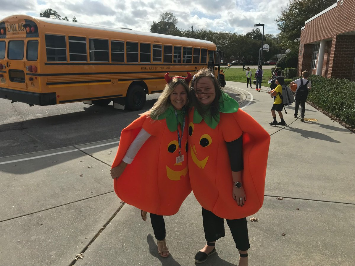 """So many giggles at dismissal time! 🎃🎃 """"Hey Ms. Clark, or should I call you Ms. Pumpkin"""" #squadghouls @PES_Mustangs"""