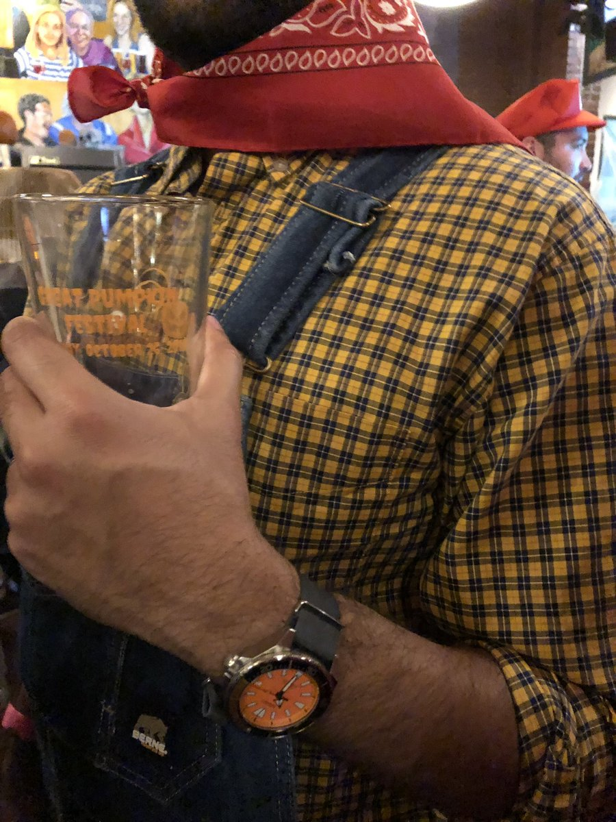 "Pumpkin Beers and Pumpkin Watches -Seiko SRPC07 ""Orange Samurai""  #tbt #throwbackthursday #Seiko #SeikoSamurai #SRPC07 #OrangeSamurai #PumpkinBeer #Halloween @seikowatches https://t.co/YJrPaWaktw"