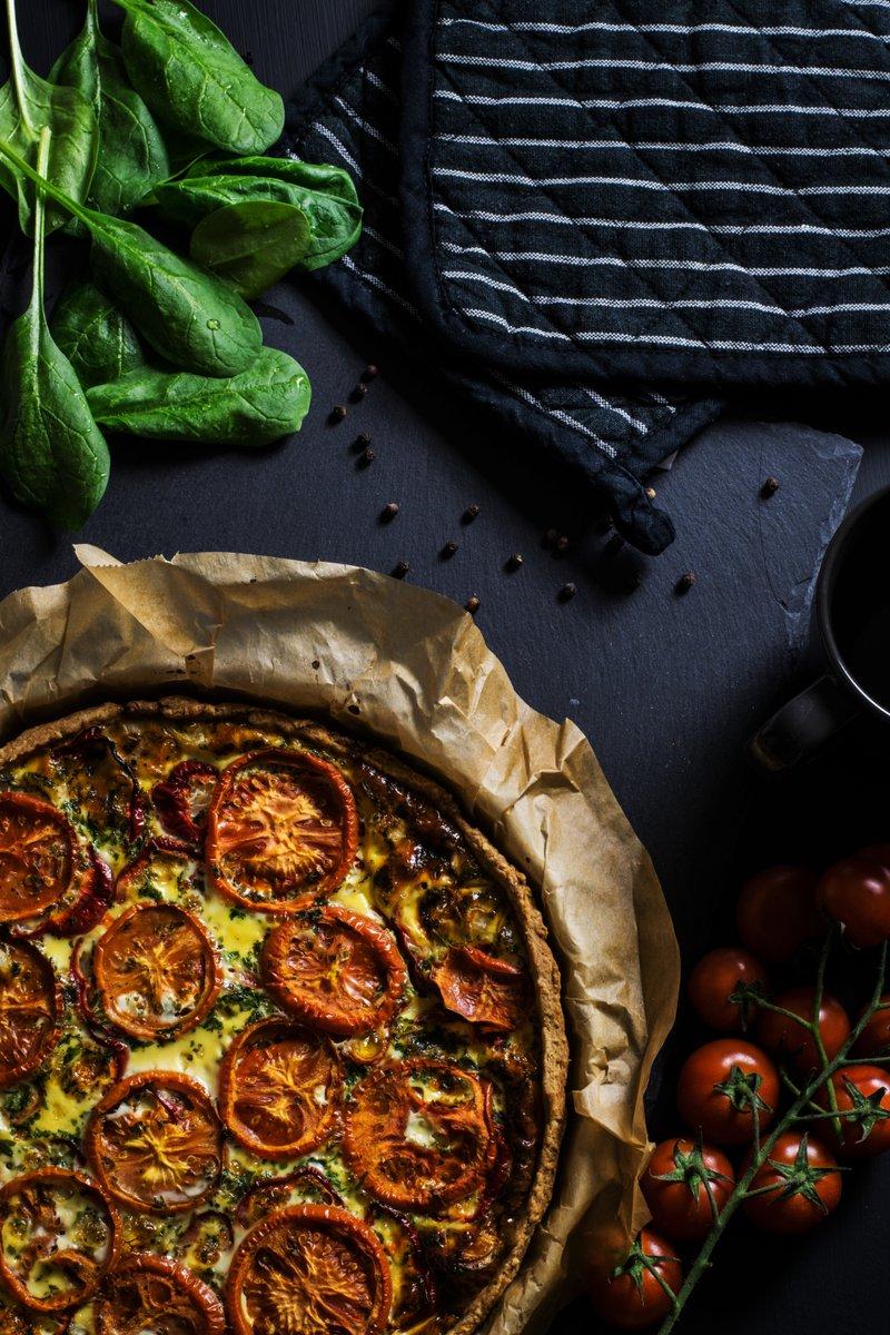 Izcilai picai nepieciešama laba tomātu mērce!   Sarunas vērtai garšai, pievieno smaržīgos piparus un aso papriku. https://t.co/MT5wxTzW3F