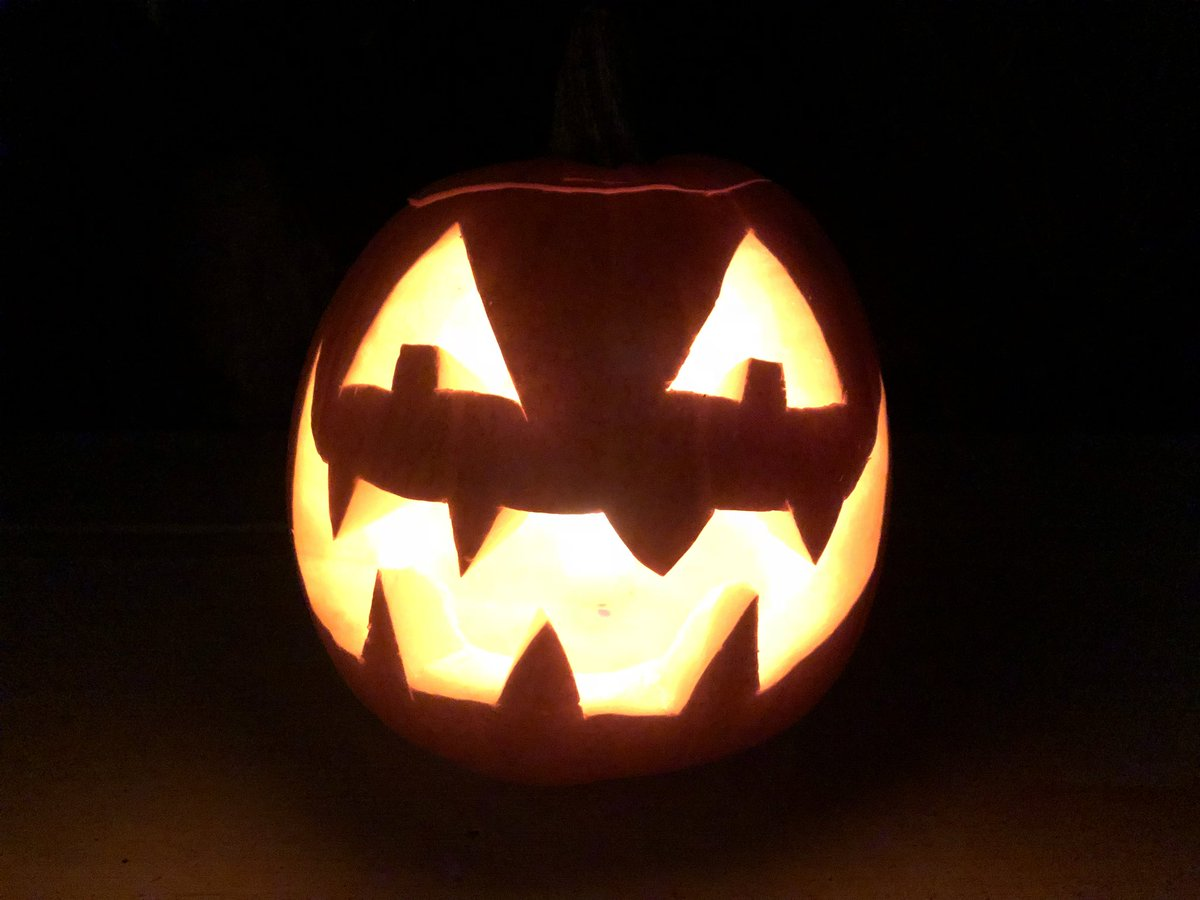 Happy #Halloween!  This is the first year we sold out of carving pumpkins! We'll definitely have to grow more next year.   #jackolantern #pumpkin #farm #farmdirect #local #natural #mapleridge #bcfarmfresh https://t.co/ELMDr91MlH