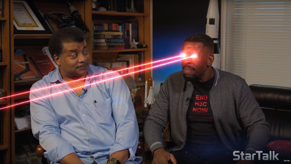 If interested, the Physics of LASERs — which, apparently, @chucknicecomic has mastered. [Video. 12 min] youtu.be/t9jtGHXgQvw