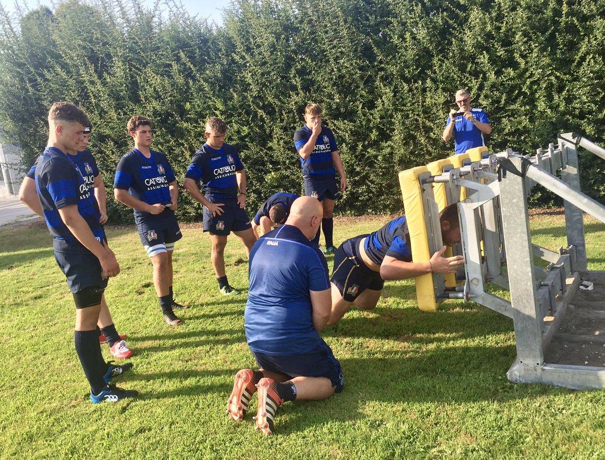 🔵 Selezione #ItaliaU18: il XV per il match contro la selezione Irelands U18 Club di domani a Badia Polesine ➡️ bit.ly/2PyDFuW #rugbypassioneitaliana