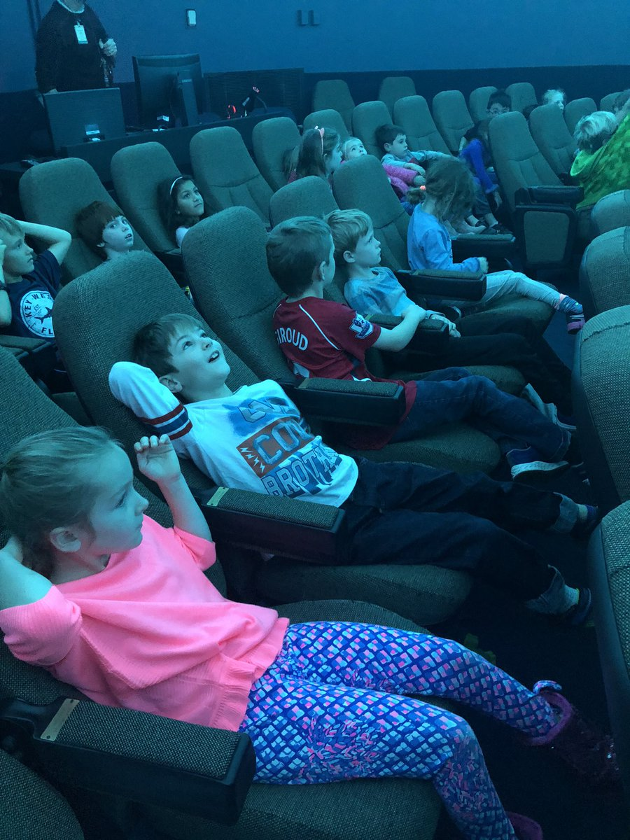 RT <a target='_blank' href='http://twitter.com/HubbardDuckies'>@HubbardDuckies</a>: Seeing stars at the planetarium 🤩 <a target='_blank' href='https://t.co/MCCeKmTlRV'>https://t.co/MCCeKmTlRV</a>