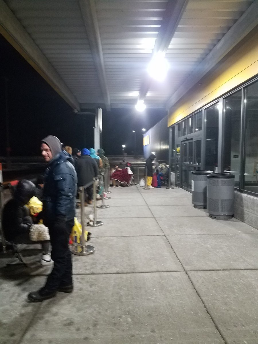Yup, I'm  at @IKEAUSA in  20 degree weather before 6am   for the @virgilabloh drop. #Wisconsin #IKEAxVirgil #ikeaXvirgilabloh <br>http://pic.twitter.com/Aa5h6MKqat