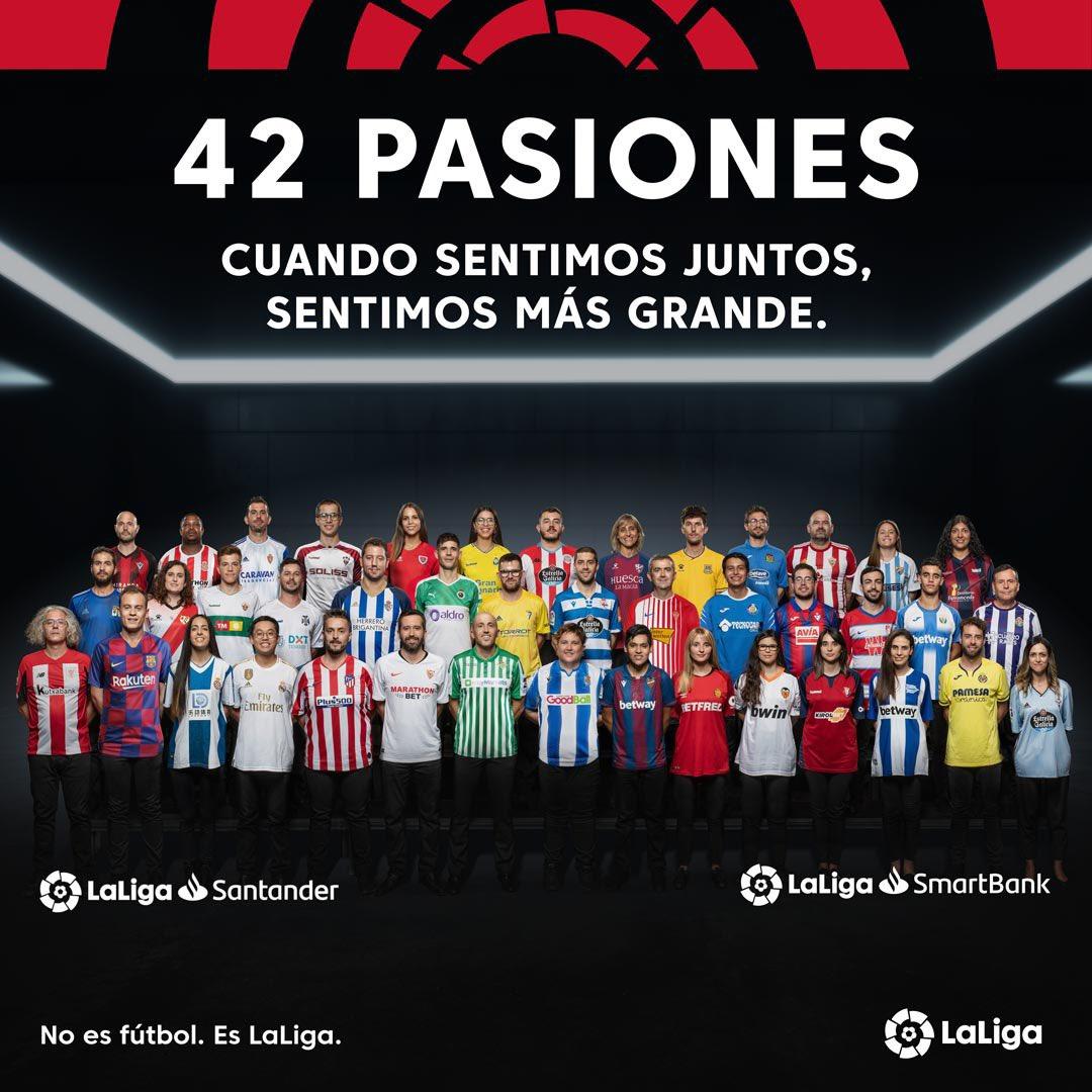 Increíble el experimento de @LaLiga para demostrarnos que, independientemente de nuestros colores, nos une la pasión por el fútbol. Todos latiendo fuerte con #42Pasiones. En este link podéis ver lo que han hecho https://t.co/YJsPgplda9 https://t.co/a6Z7089UQd