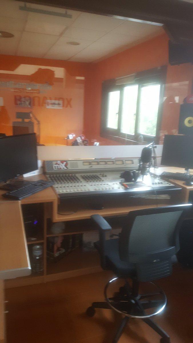Ya está @franperezperez en el estudio Bonavox  A las 15h Lo Mejor de la semana de La Hora de @walter_garcia_