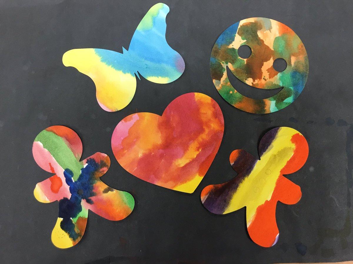 Kindergarten & 1st Grade represent their identities through color and shape.<a target='_blank' href='http://twitter.com/OakridgeConnect'>@OakridgeConnect</a> <a target='_blank' href='http://search.twitter.com/search?q=APSIsAwesome'><a target='_blank' href='https://twitter.com/hashtag/APSIsAwesome?src=hash'>#APSIsAwesome</a></a> <a target='_blank' href='http://search.twitter.com/search?q=WeAreAllOakridge'><a target='_blank' href='https://twitter.com/hashtag/WeAreAllOakridge?src=hash'>#WeAreAllOakridge</a></a> <a target='_blank' href='https://t.co/htfzIcX9vR'>https://t.co/htfzIcX9vR</a>