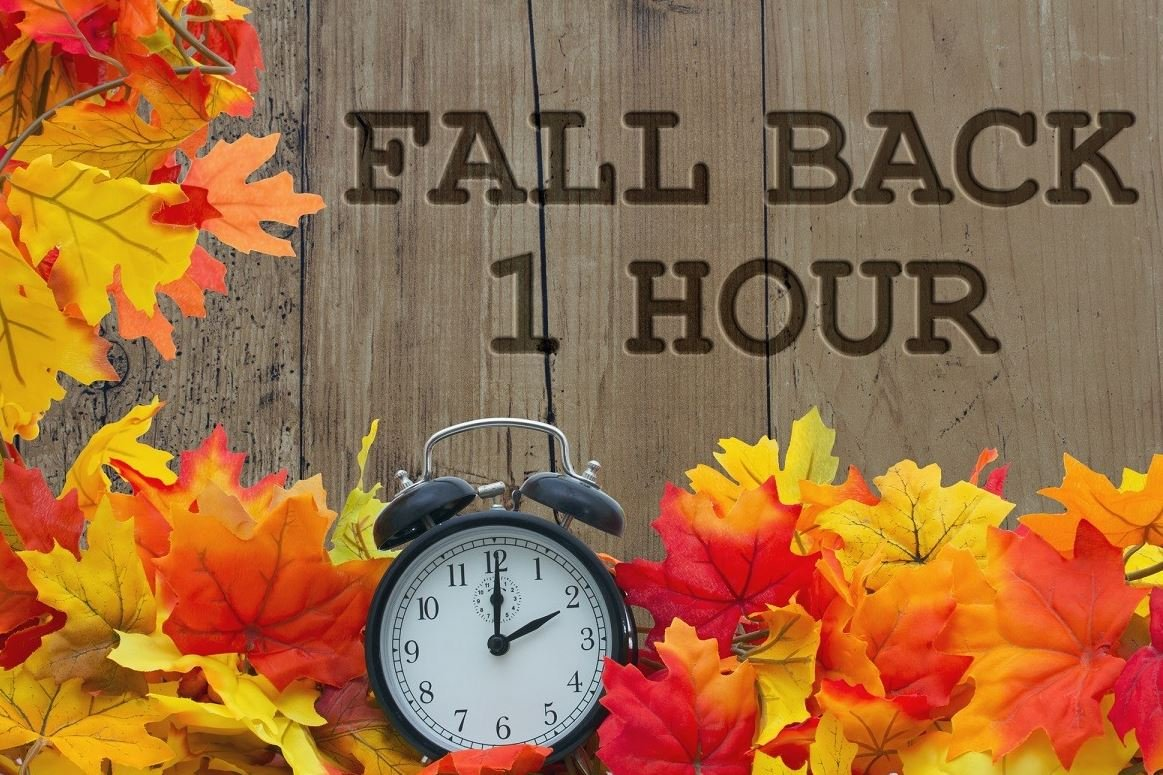 Its almost time to Fall Back! Daylight savings time ends on Sunday, November 3 at 2 AM and all clocks will be set back by one hour. With the changing of clocks, the Highland Park Fire Department reminds... facebook.com/HighlandParkIL…