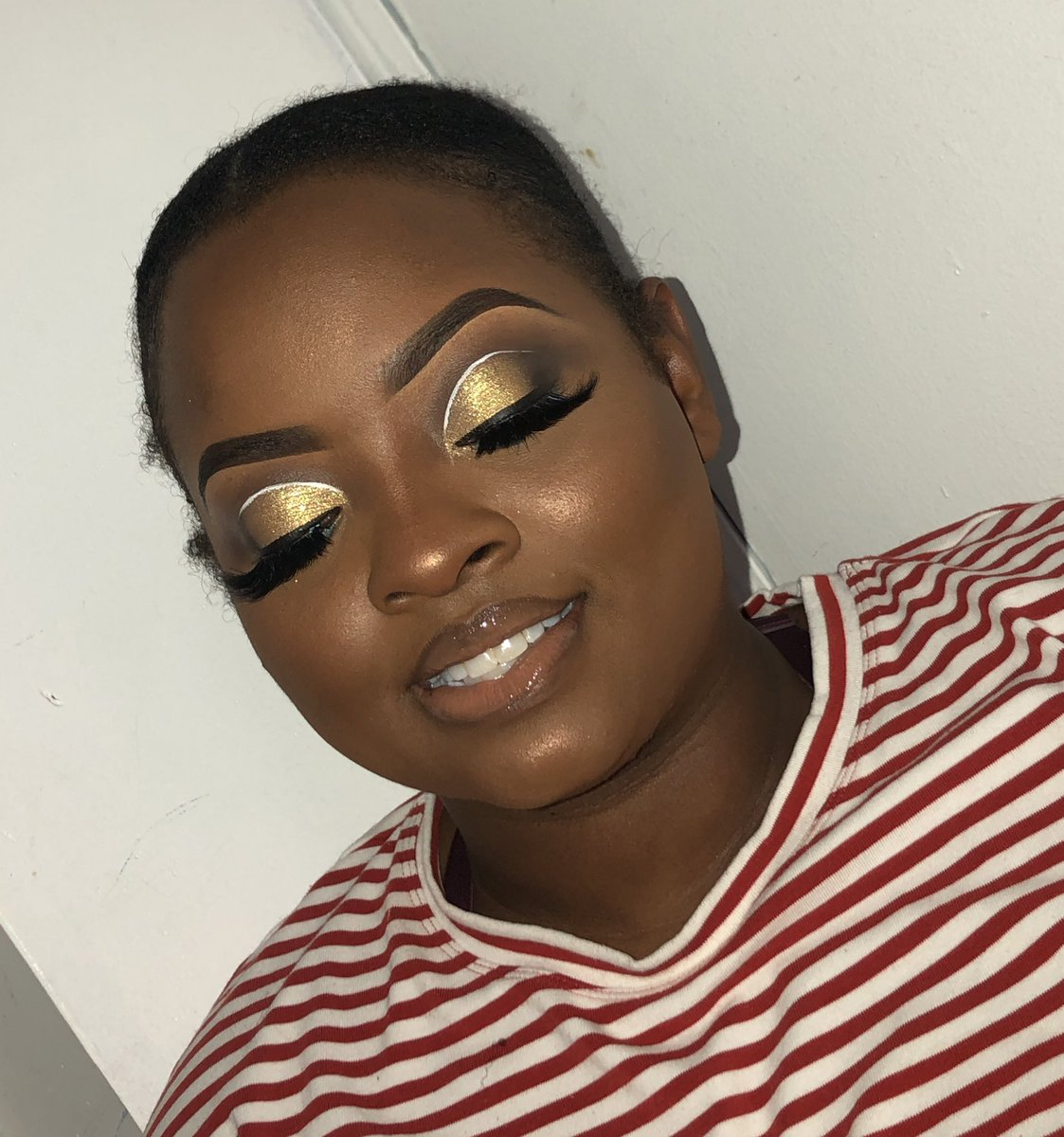 http://www.makeupbyashli.as.me   𝐍𝐎𝐕𝐄𝐌𝐁𝐄𝐑 𝐂𝐀𝐋𝐄𝐍𝐃𝐀𝐑 𝐈𝐒 𝐎𝐏𝐄𝐍#newyorkmua #nymakeupartist #makeupbyashli #newyorkmakeupartist #blackgirlmakeup #makeupformelaningirlspic.twitter.com/5mZoPe2HZb