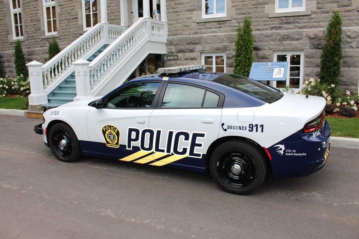 D'excellentes nouvelles, car nous sommes lauréats du concours du @Blue_LineMag « Voiture de police la mieux habillée du Canada de 2020 », catégorie forces de l'ordre! Bravo à tous les gagnants et participants! #BestDressedPoliceVehicule
