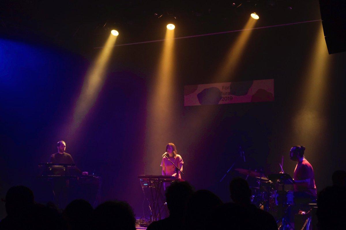 Tot un luxe tenir a l'escenari del #foramuralla la @carla__music ⚡️⚡️ amb aquest discàs espectacular!! https://t.co/5caLExleDq