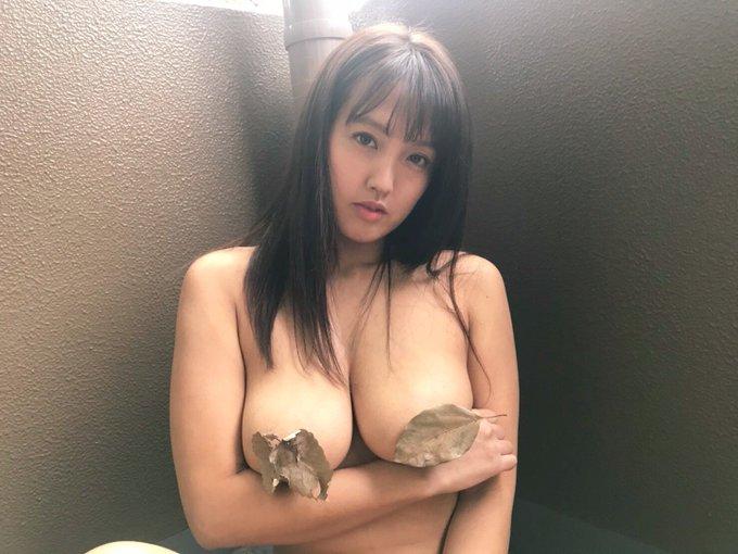 グラビアアイドル日里麻美のTwitter自撮りエロ画像3