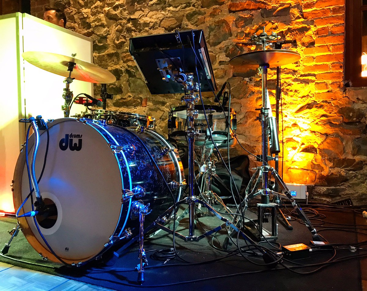 Tonight's office with @owlslions 🕺🏼 #drummer #dwdrums #porkpiedrums #zildjianfamily #roland #vicfirthsticks