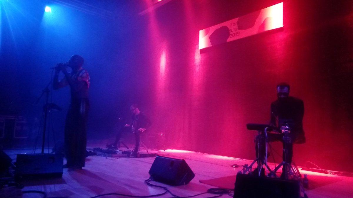 El ritme electrònic d'@egosex_ posa a ballar el públic del @Foramuralla https://t.co/ot7PxvUa3s