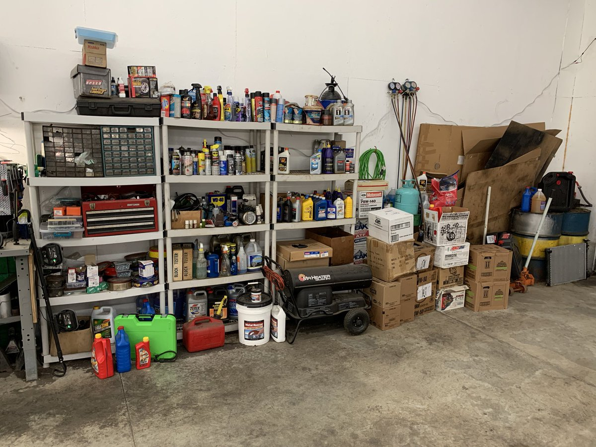The before and after of yesterday's work. I still have more to do but the broad strokes are done. How do you organize your shop? #etcgshop #workshop #palletracking #storage #shopstorage #imsorenow<br>http://pic.twitter.com/Vk6kBAnQ2X