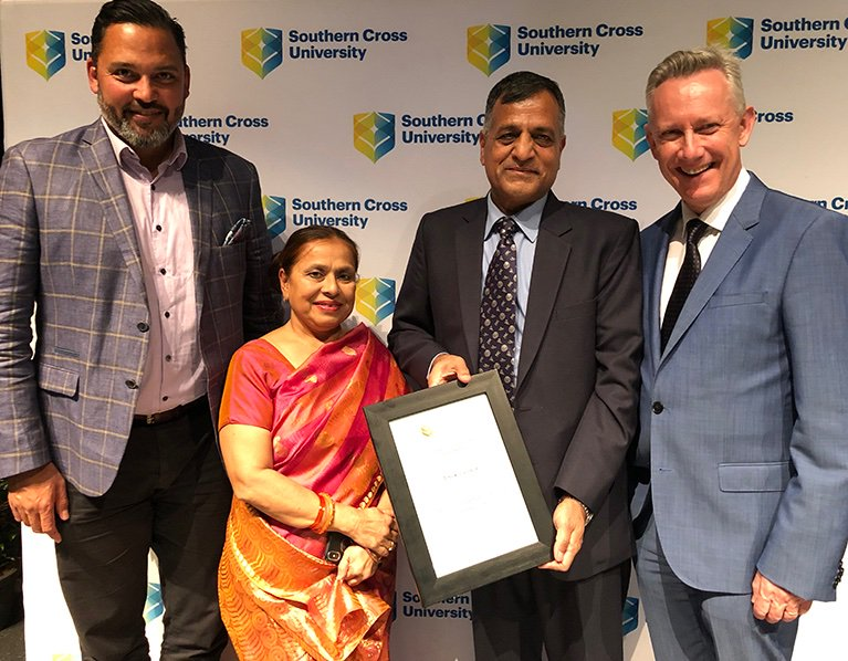 India's election commissioner @AshokLavasa - an Australian alumnus - has been named the International Alumnus of the Year at @SCUonline's inaugural Impact Awards. Congratulations! #StudyinAus #IES2035 https://www.scu.edu.au/engage/news/latest-news/2019/indias-election-commissioner-named-international-alumnus-of-the-year.php…pic.twitter.com/USyiuqj1xp