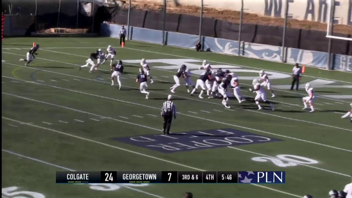 TOUCHDOWN HOYAS!! Johnson connects with Tomas for a 7-yard TD pass. #Hoyas trail 24-14 with 5:41 remaining in Q4. #HoyaSaxa #DefendTheDistrict #BeatColgate