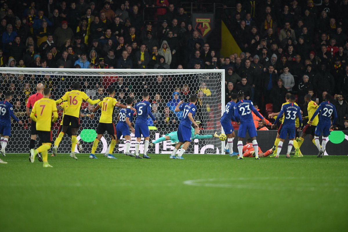 Kep em out! 👊 What a stop this was from @kepa_46 at the end! #WATCHE