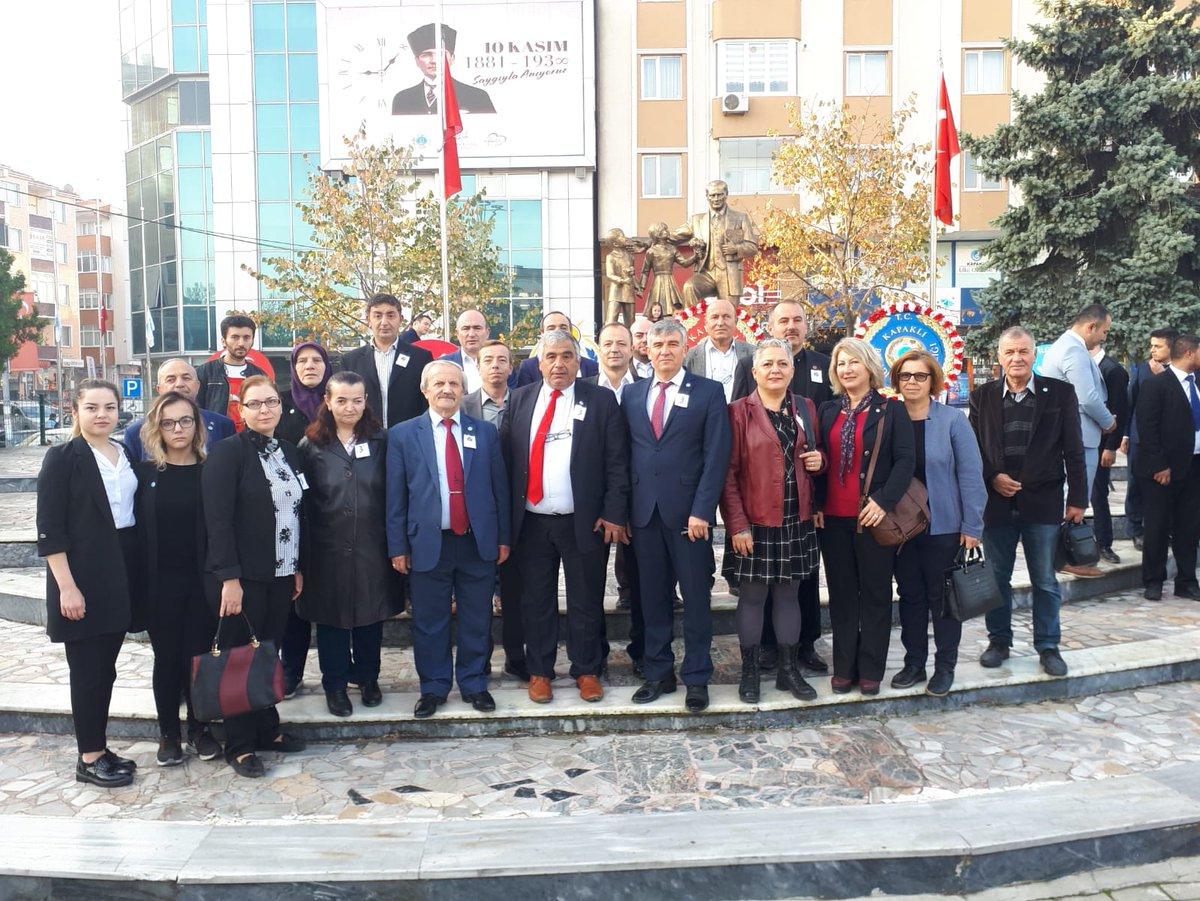 İYİ Parti Kapaklı İlçe Yönetimi olarak Türkiye Cumhuriyetinin Kurucusu  Büyük Önder Gazi Mustafa Kemal Atatürk'ü ebediyete intikalinin 81. yılı münasebeti nedeniyle, Kapaklı meydanındaki  Atatürk anıtına çelenk sunma törenine katılım sağladık.