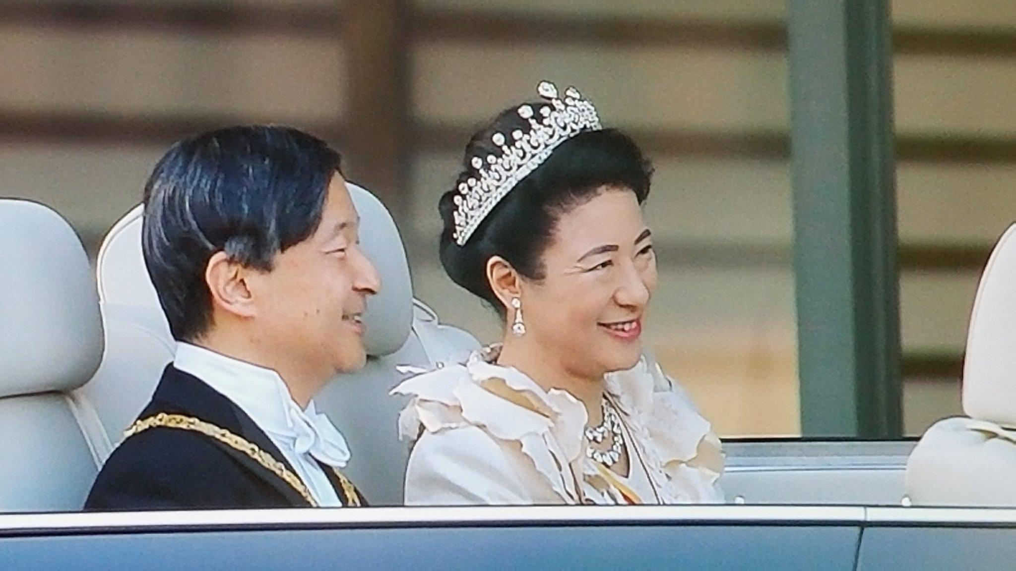 即位パレード》雅子様のティアラ・ドレス姿が美しすぎる