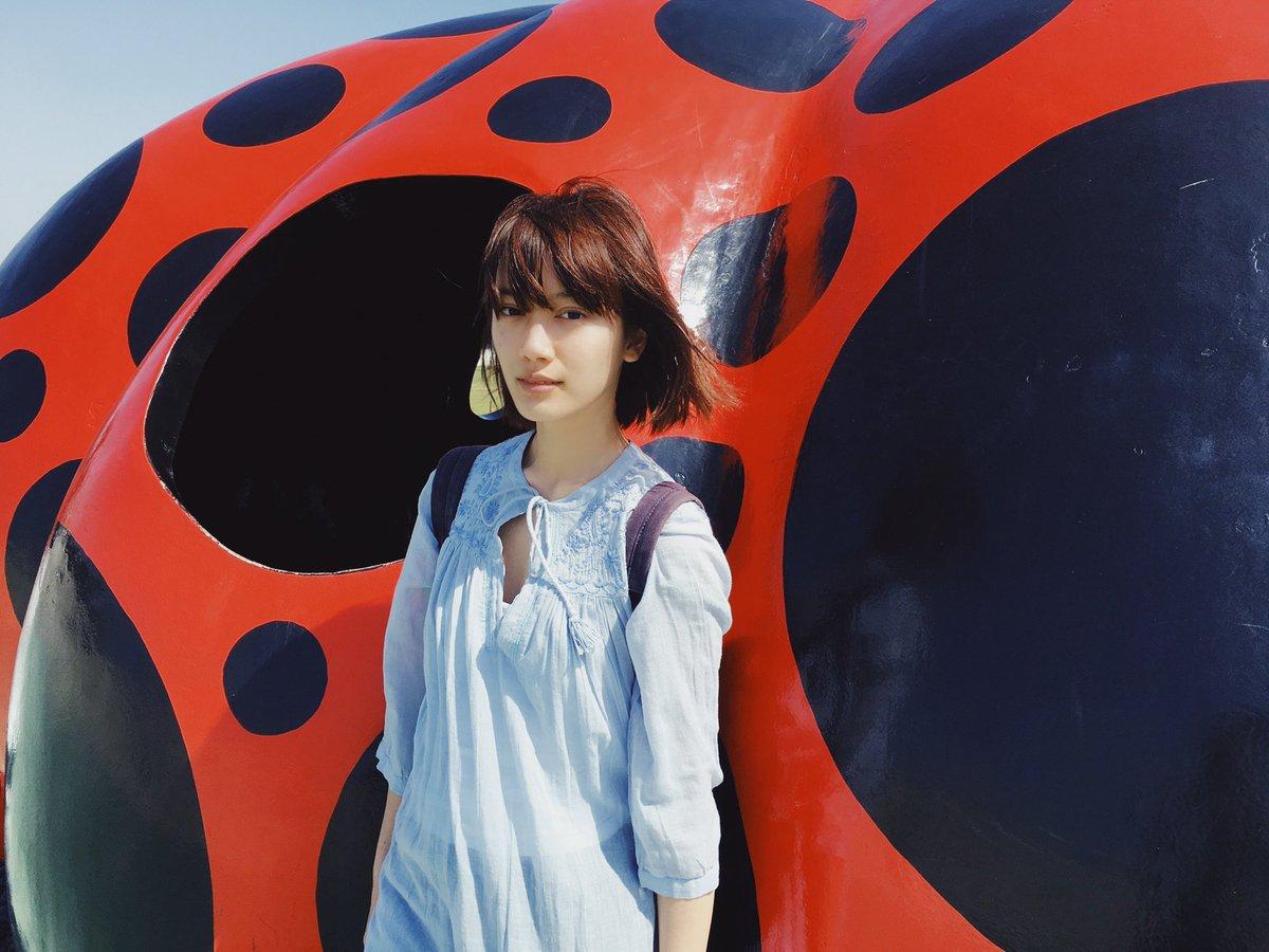 test ツイッターメディア - 三年ぶりに今日は瀬戸内海へ!待ちに待った芸術祭に最後の週末駆け込みます🐳 この写真は20歳の時。茶髪! https://t.co/RiBYV3b92Q