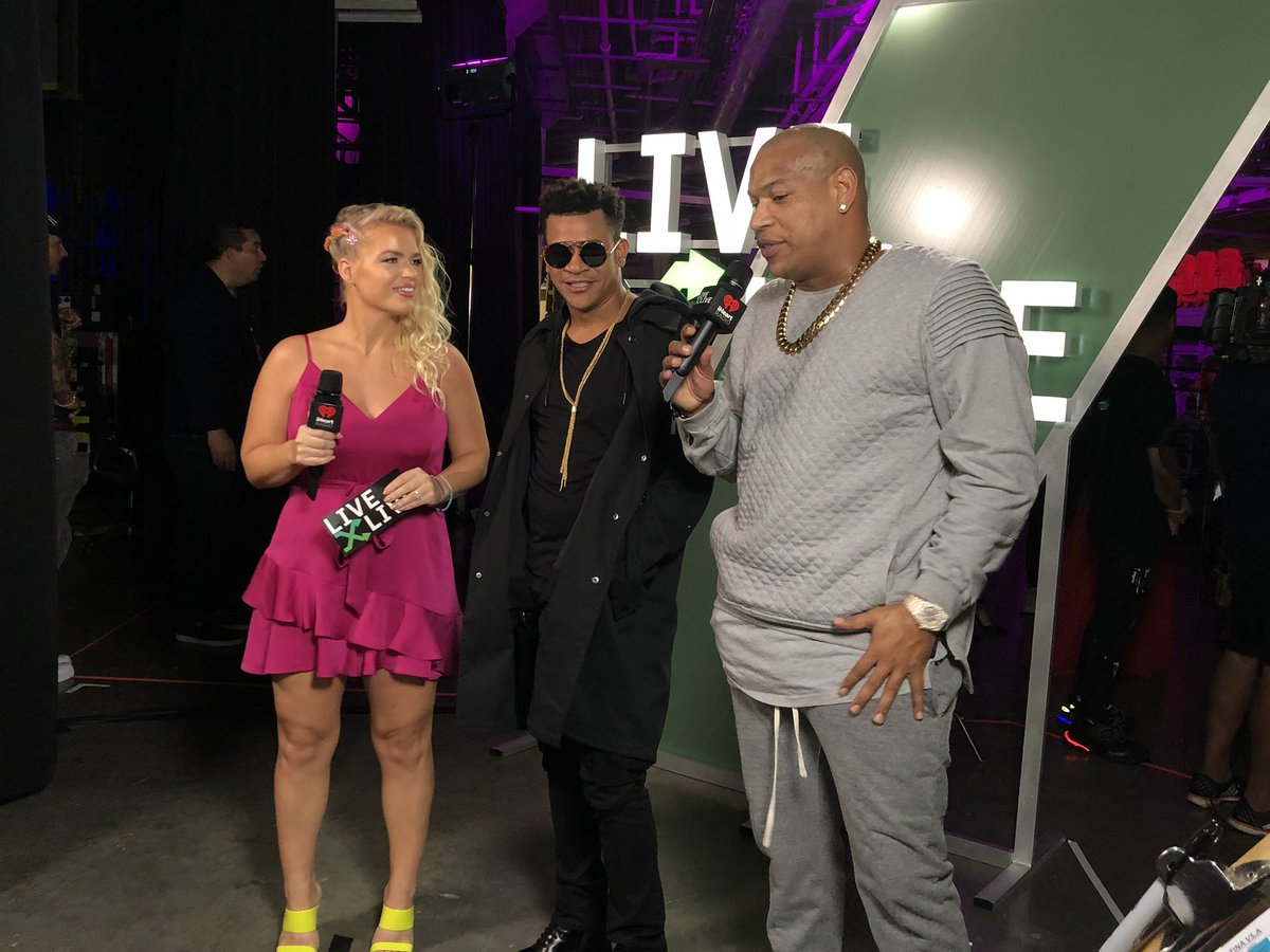 .@GdZOficial catching up with @livexlive backstage at #iHeartFiesta! 💕 Watch the show here: ihr.fm/WatchiHeartFie…