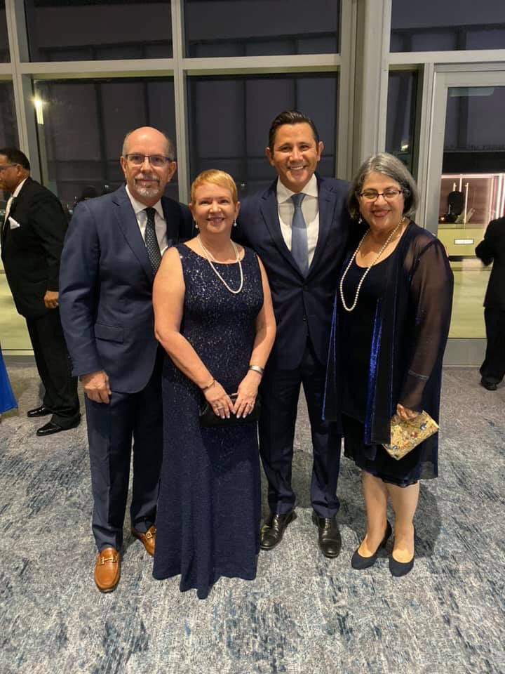 An energizing evening tonight at the @MiamiDadeDems Blue Gala where remarkable leaders were honored! 2020 is around the corner and this is our moment to organize! Kudos to Chairman @stevesimeonidis , Gala Chair @matthaggman and the entire committee for a fantastic event!