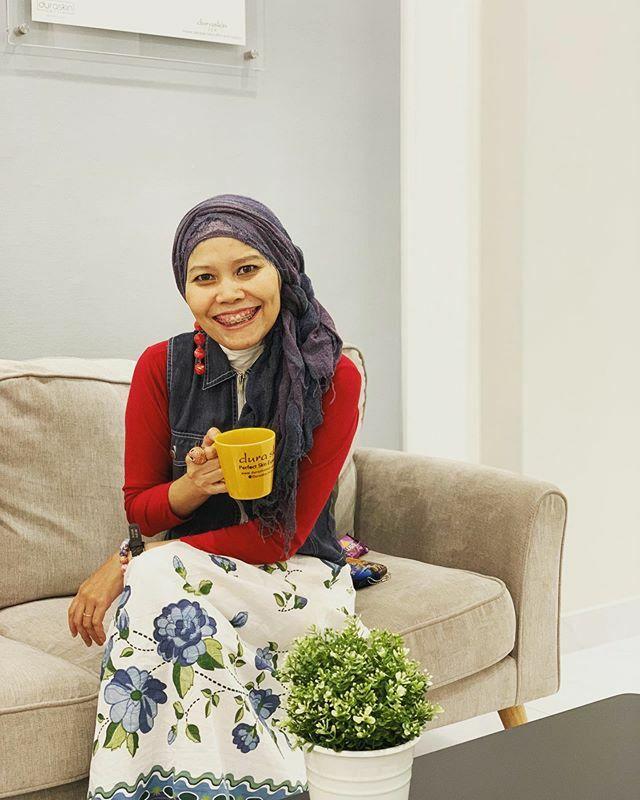 When I notice this is Sunday morning and still have couple hours to do what I can't do on weekdays  . . #clozetteid #ootd #lifestyle #sundaymorning #morningcoffee #fashionate #fashionableme #instafashion #hotd #hijabstyle #hijabi #latepost https://ift.tt/2PI4k8Kpic.twitter.com/8MgJdFZJjh