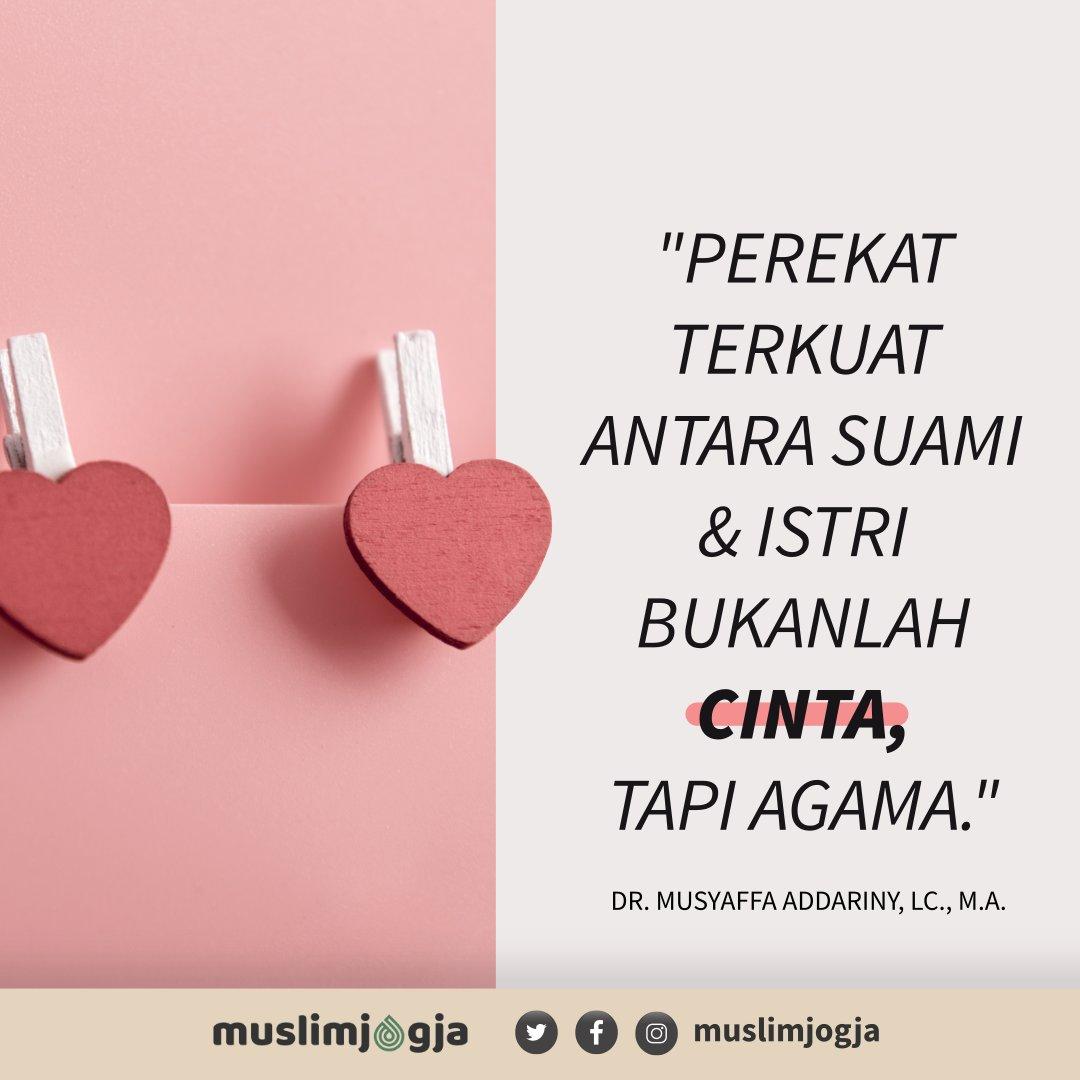 💡 Perekat terkuat antara suami dan istri bukanlah CINTA tapi AGAMA.⠀ ➖➖➖➖➖➖➖➖➖➖➖➖➖➖➖➖➖➖⠀ 📔 DR. Musyaffa Addariny, LC, M.A. ⠀ https://t.co/p2jd55iS1l