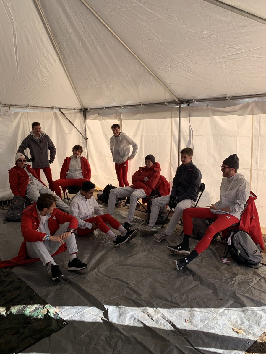 Men relaxing prior to going to defend B1GXC #50 https://t.co/bskx23Ev89