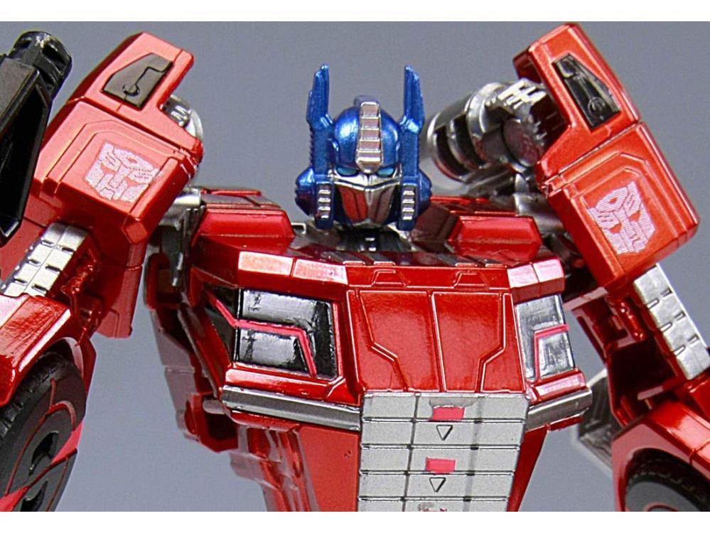 Looking great  https://t.co/kNctFsHtlk  #OptimusPrime #Figure #Transformers https://t.co/EjO3zTYbLu