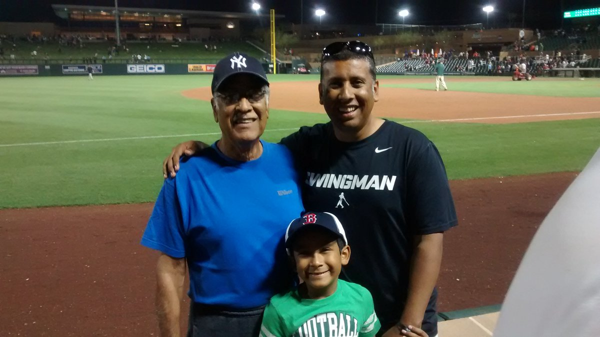 Everything I am, it's bc of this man. I am a teacher, just like he was; I love my kids and played baseball, just like he did. Today, it's 4 years since he passed away. Not a day goes by without thinking of him, without thanking him for who I am. Jefe, te extraño, eres el mejor... https://t.co/bvEBPmuHXj