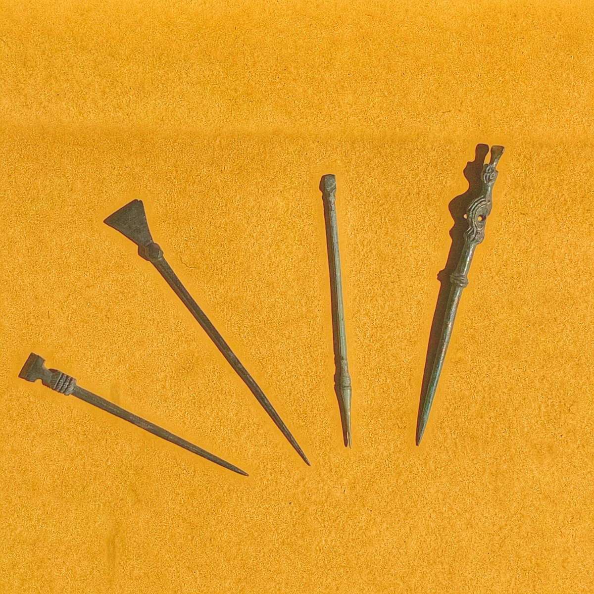 Stylus (writing pens), Cologne / Neuss (Germany), medieval, copper alloy, LVR-LMB = LandschaftsVerband Rheinland - LandesMuseum Bonn.  #AHMBrussels #Crossroads https://t.co/0H58ikZGtR