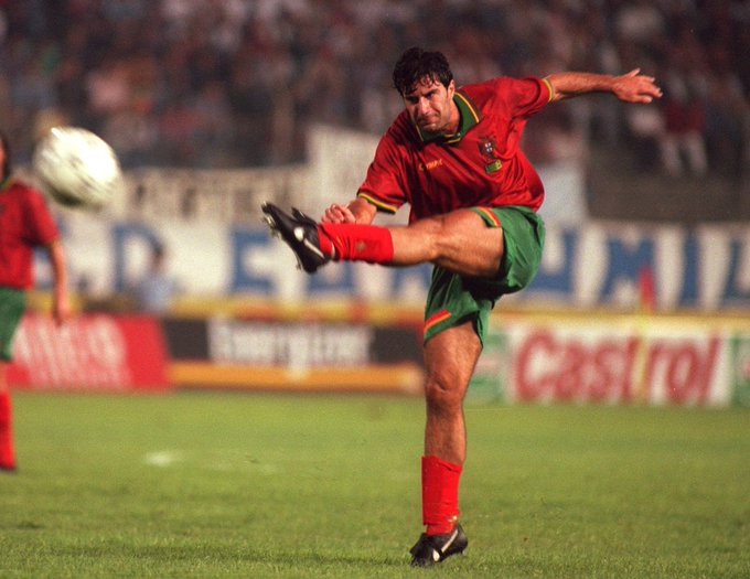 Happy Birthday to Luis Figo, who turns 47 today!   A true legend of the game